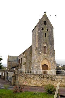 L'église de Saint-Laurent-sur-Mer - XIIIe - XIXe siècle.