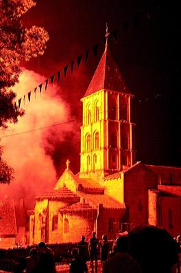 L'église sous le feu d'artifice