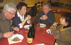 Le président J.B Dersigny et ses invités, font honneur aux produis bretons