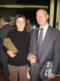 Marie Delattre en compagnie de Patrick Magd, directeur de la communication à EDF, président du jury