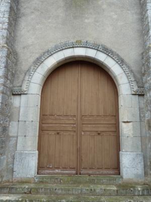Le portail principal de style néo-roman