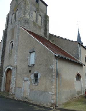 La maison du sonneur, petite construction accolée au sud du clocher et servant aujourd'hui de salle de catéchisme, semble être une construction du XVIIIème siècle.