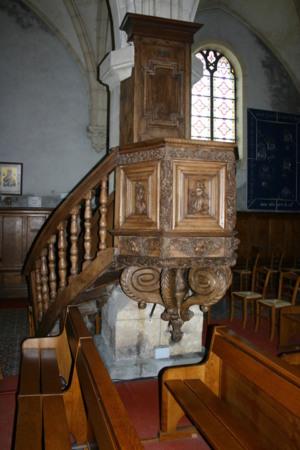 La chaire date de 1674