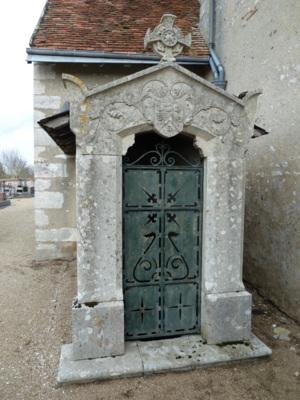 Porte d'accès au caveau de la famille Bodin de Boisrenard